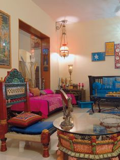 30 interior design ideas in Indian style for a colorful, exotic home – Indian Living Rooms Ethnic Home Decor, Indian Home Decor, Sweet Home, Indian Interior Design, Indian Home Design, Spa Interior, Interior Ideas, Indian Room, Exotic Homes