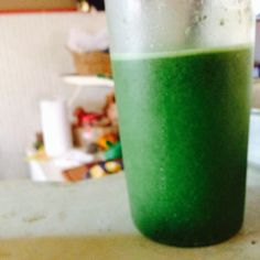 Suco domingo de manhã: couve, 1limao, meia maçã verde 1 col chia!