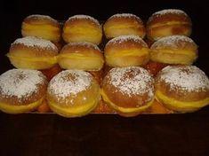 Bolas de Berlim no Forno Portuguese Desserts, Portuguese Recipes, Portuguese Food, Fudge, Cupcake Cakes, Cupcakes, Pretzel Bites, Crepes, Muffins