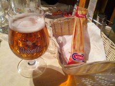 FOTO 11 - Birra Dolomiti doppio malto nel suo bicchiere a calice