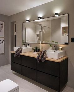 """3,558 likerklikk, 65 kommentarer – Laila Lillerovde (@villalille) på Instagram: """"Innom for å ønske dere en fin lørdagskveld✨ Her i Spania ble det visst oppussing også..(skulle…"""" Guest Bathrooms, Bathroom Renos, Ideas Hogar, Master Bath Remodel, Bathroom Goals, Diy Room Decor, Home Decor, Beautiful Bathrooms, Home Interior Design"""