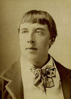 Biography of Oscar Wilde Oscar Wilde Biography, Ciel Rose, 1 J, Writers And Poets, Old Photos, Famous People, Images, History, Francis Bacon