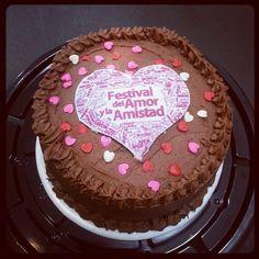 Celebra el mes de #AmorYAmistad con una #torta #SoSweet de #PasteleriaSoSweet en #Bogota Cel: 317 657 5271 (1) 625 1684 - Cra 11 # 138 - 18