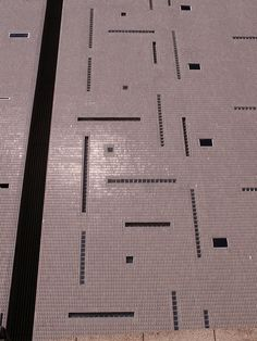 Tiles by Italian architect Gio Ponti.  Oh how I wish they would reissue these....