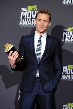 Tom Hiddleston. Via Twitter.  Mtv movie awards Abril 12 @8pm ast