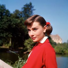 Audrey | Love in the Afternoon (1957) Audrey Hepburn Hair, Audrey Hepburn Pictures, Classic Hollywood, Old Hollywood, Best Actress Oscar, British Actresses, Ex Husbands, Fashion Moda, Outfit Combinations