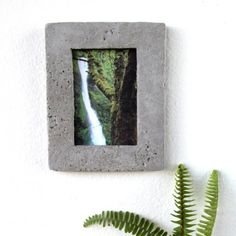 I bet you have wood picture frame, metal picture frame, but what about CONCRETE picture frame??!