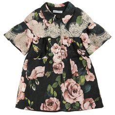 D:Black coat with petal pink flowers. Synthetic lining. Refined lace patches. Short sleeves. Three press studs. Side pockets.
