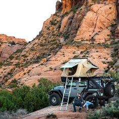 Jeep Tent, Jeep Camping, Tent Campers, Roof Rack Tent, Roof Top Tent, Car Top Tent, Rooftop Tent Camping, Tent Trailer Camping, Camping Aesthetic