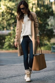 Sperry duck boats outfit casual 25 ideas for 2019 Duck Boots Outfit, Bootfahren Outfit, Winter Boots Outfits, Fall Outfits, Casual Outfits, Outfit Winter, Outfit Work, Casual Winter, Grunge Outfits