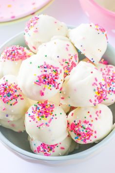 Birthday cake truffles! http://www.stylemepretty.com/living/2015/07/22/no-bake-cake-batter-truffles/ | Recipe: Deliciously Sprinkled - http://deliciouslysprinkled.com/