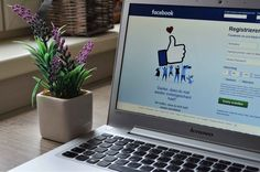 Targeted advertising on social media statistics. A lot of big corporate firms are starting to realise that the hype with putting your brand on social media with the massive consumer base that it has, in the hope of getting a huge return is the… Facebook Marketing Strategy, Affiliate Marketing, Social Media Marketing, Marketing News, Marketing Strategies, Online Marketing, Facebook Photos, For Facebook, Delete Facebook