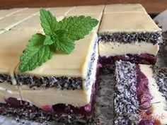 "Mennyei ""cherry lady"" szelet | TopReceptek.hu Eastern European Recipes, Czech Recipes, Different Cakes, Cake Bars, Hungarian Recipes, Pavlova, Cakes And More, Sweet Recipes, Bakery"