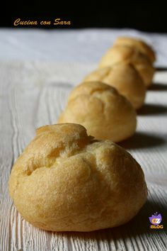 Pasta choux (bignè) - ricetta base Italian Bakery, Italian Pastries, Sweet Pastries, Italian Desserts, My Favorite Food, Favorite Recipes, Pastry Cook, Baker And Cook, Flat Cakes