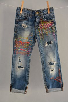 This item is unavailable Distressed Boyfriend Jeans Step Hem Ripped Jeans-Kleinkind Jeans-Distressed Baby Jeans-Jeans-Raw Hem Jeans-Distressed-Baby Girl Geschenk Jean Rapiécé, Jean Diy, Denim Outfits, Outfit Jeans, Boyfriend Jeans, Bag Jeans, Ripped Jeans, Destroyed Jeans, Redone Jeans