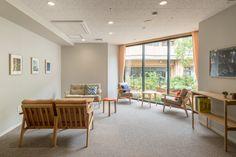 介護付有料老人ホーム あべやま : UMA / design farm Senior Center, Aged Care, Elderly Care, Assisted Living, Senior Living, Medical Center, Living Room, Interior Design, Architecture