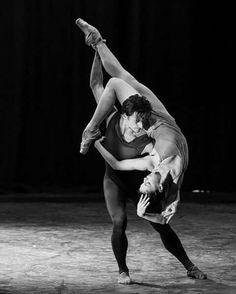 "Natalia Osipova and Sergei Polunin, ""Scriabiniana"" choreography by Kasyan Goleizovsky and music by Alexander Scriabin from ""Satori"" Modern Dance, Contemporary Dance, Shall We Dance, Just Dance, Dance Movement, Dance Choreography, Dance Poses, Ballet Photography, Ballet Beautiful"