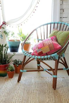 These would be fun for outside the roof: Magical Thinking Satie Chair - Urban Outfitters Bohemian Interior, Bohemian Decor, Bohemian House, Magical Thinking, Interior Decorating, Interior Design, Interior Styling, Interior Exterior, Interior Inspiration