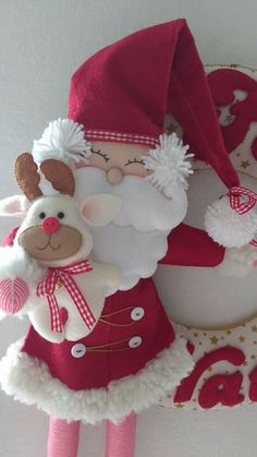 Santa y reno Art Christmas Gifts, Christmas Items, Christmas Holidays, Merry Christmas, Christmas Decorations, Felt Crafts, Diy And Crafts, Canes, Hand Stitching