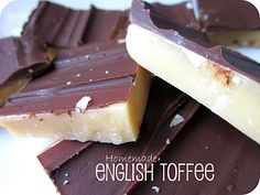 Homemade English Toffee from SixSistersStuff.com #Recipe #Christmas