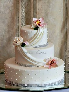 winter wedding cakes | Pin Wedding Cake Gallery Pictures Of Cakes Decorator Cake on Pinterest