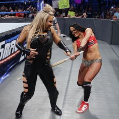 Nikki Bella vs. Natalya – Falls Count Anywhere Match: Fotos