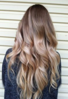 the perfect ombre and curls for a blonde