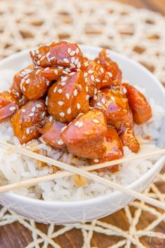 A perfectly sticky, crunchy and healthy honey teriyaki chicken recipe. This is a not-so-guilty pleasure that'll become a staple in your kitchen rotation. Dinner Recipes Easy Quick, Easy Meals, Honey Teriyaki Chicken, Asian Recipes, Healthy Recipes, Healthy Snacks, Recipe 30, 30 Minute Meals, Chinese Food