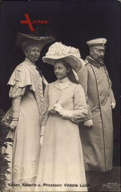 Queen Victoria Albert, Queen Victoria Family, Wilhelm Ii, Kaiser Wilhelm, Queen Victoria's Daughters, Princesa Victoria, King Of Prussia, Princess Beatrice, Second Empire