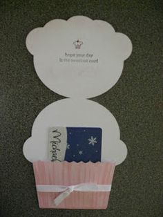 Use one folded hot dog style. Unfold and trace entire cupcake onto passport and cut. Each piece of paper yields 2 finished cupcake card holders Gift Cards Money, Cupcake Card, Karten Diy, Shaped Cards, Cricut Cards, Card Tags, Kids Cards, Creative Cards, Homemade Cards