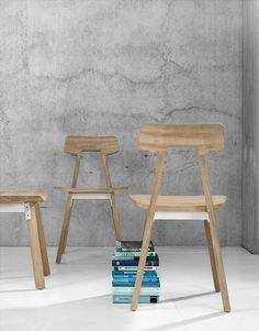 Universo Positivo Gud chair - black is a high-quality handmade furniture crafted from solid wood. Buy quality home furniture online now at Ethnicraft Singapore. Fresh And Clean, Solid Wood Furniture, Wicker, Rattan Chairs, Side Chairs, Bar Stools, Design, Home Decor, Dining Room