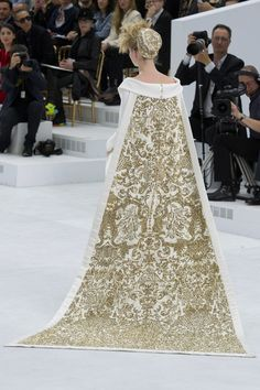 Chanel Fall 2014 Couture http://www.hautearabia.com/blogs/special-feature