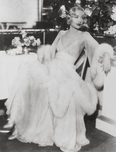Carole Lombard <3 1930's L'adorata moglie di Clark Gable                                                                                                                                                                                 More