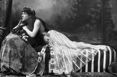 The Play's the Thing  Shakespeare's Cleopatra was, for many centuries, the most popular dramatic version of the Queen's life. In this turn of the century production, the lead is played by famed beauty, Lillie Langtry.
