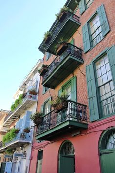 Just stunning photos from Color Me Courtney's visit to New Orleans.