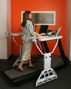 Treadmill Desk Lets You Exercise While Working - Whyrll.com