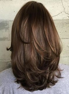 Mid-Length Hair 2018 With Subtle Layers