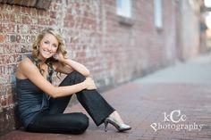 Girl senior picture pose