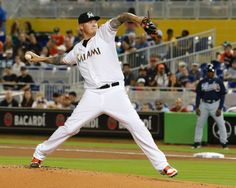 Atlanta Braves vs. Miami Marlins - Photos - April 07, 2015 - ESPN