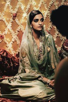 "deadly-brows: ""Sonam Kapoor - stills from Dolly Ki Doli """