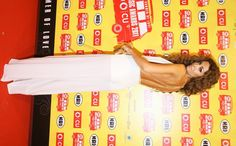 Ελένη Φουρέιρα Super sexy με λευκή διαφανή φόρμα η Ελένη Φουρέιρα, και η θερμοκρασία έπιασε κόκκινο στο κόκκινο χαλί των VMA το 2011. Music Awards, Photo Galleries, Sexy