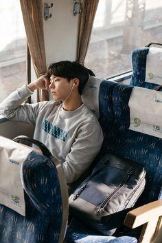 Park Bo Gum for Mandarina Duck Korean Star, Korean Men, Asian Boys, Asian Men, Asian Actors, Korean Actors, Park Bo Gum Cute, Park Bo Gum Wallpaper, Park Go Bum