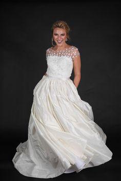 Oscar De La Renta Wedding Gown - Solutions Bridal's Fashion Show at The Ritz-Carlton Grande Lakes in Orlando, FL - Photo by Tabitha Photography - Click pin for more - www.orangeblossombride.com
