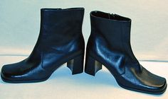 Womens Black Leather Short Boots Size 9.5 M 3 inch Chunky Heel by Connie Zip Up
