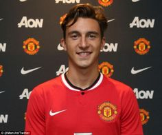 Manchester United have completed the signing of Torino right-back Matteo Darmian