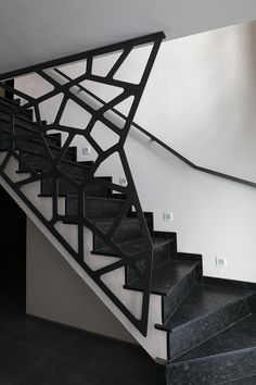 A attractive staircase is more than simply a path from one floor to the next: this picture staircase will certainly motivate you. Modern Stair Railing, Stair Railing Design, Home Stairs Design, Staircase Railings, Modern Stairs, Stairways, Railing Ideas, Spiral Staircase, Gate Design