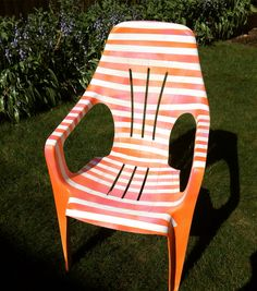 Up cycled plastic garden chair using pink and orange (textile) spray paint and cello tape. Really pleased how it came out, just hope the fabric spray paint doesn't run in the rain! Spray Paint Plastic, Fabric Spray Paint, Diy Spray Paint, Spray Painting, Painting Plastic Furniture, Plastic Garden Chairs, Running In The Rain, Outdoor Chairs, Outdoor Decor