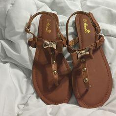 sandals never worn sandals Shoes Sandals