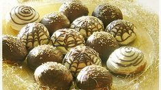 """""""Ennél egyszerűbb, azonnal puha mézes puszedlivel még sosem volt dolgom! Örök hálám ezért a receptért!"""" Hungarian Desserts, Sweet Cookies, Apple Cake, Xmas, Christmas, Gingerbread, Muffin, Snacks, Breakfast"""