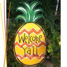 Pineapple door hanger #therustybucketart #doorhanger